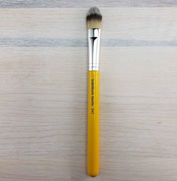 Bdellium Studio 947 Small Foundation Brush