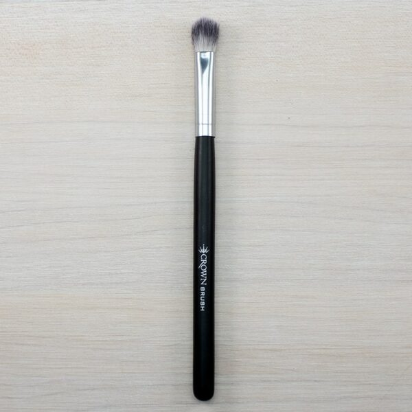 Crown Deluxe Blending Fluff Brush SS021