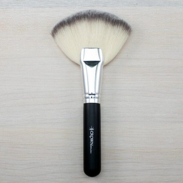 Crown Deluxe Fan Brush SS023